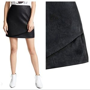 Club Monaco black faux-leather skirt Falleece sz12